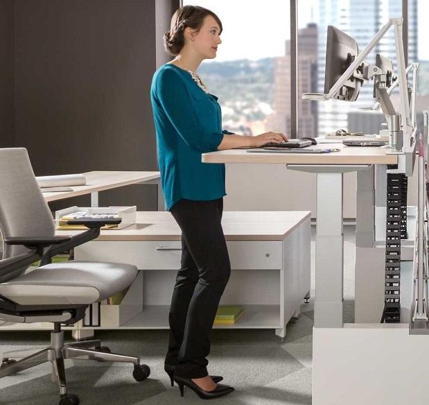 height adjusting standing desk