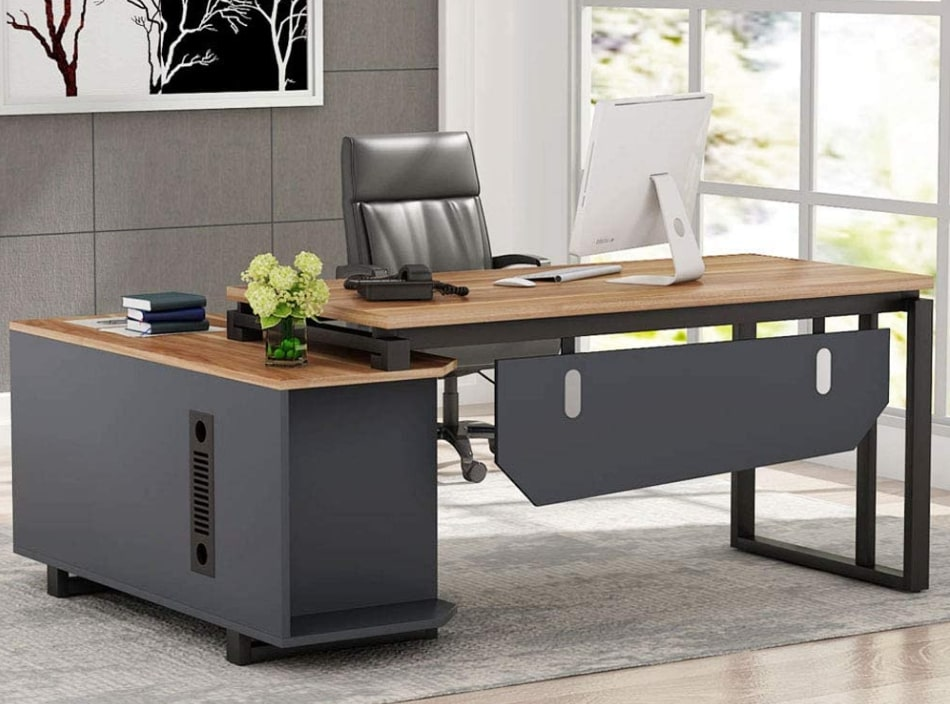 Executive Desk In Office